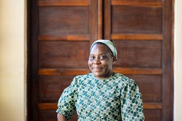 Soeur Nathalie Kangaji setzt sich im Kongo für die Rechte der Bevölkerung im Umfeld der Rohstoff-Minen ein. © Meinrad Schade